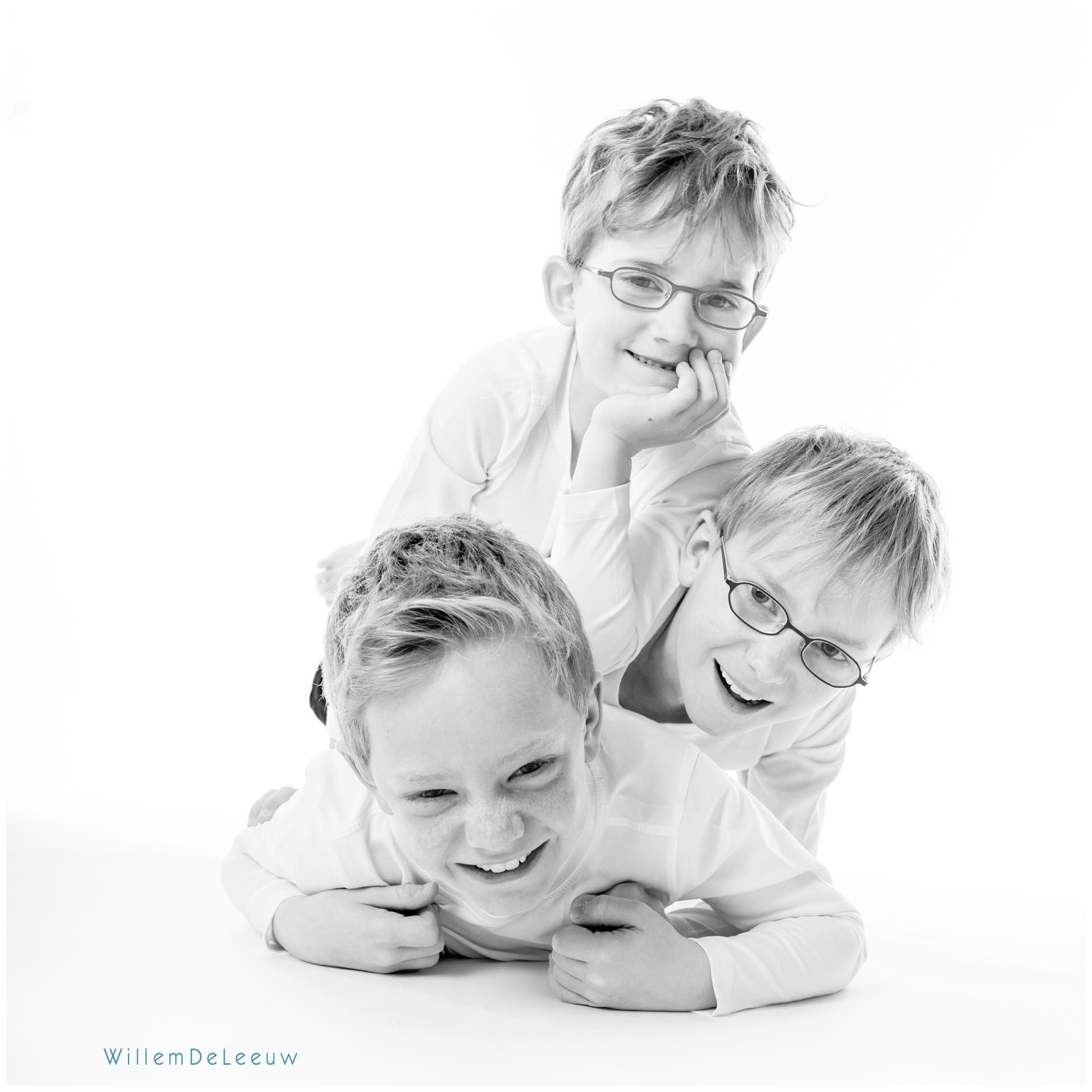 portret van 3 jongens in de studio
