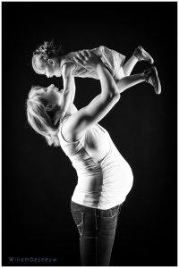 zwangerschapsfoto met zusje willem de leeuw