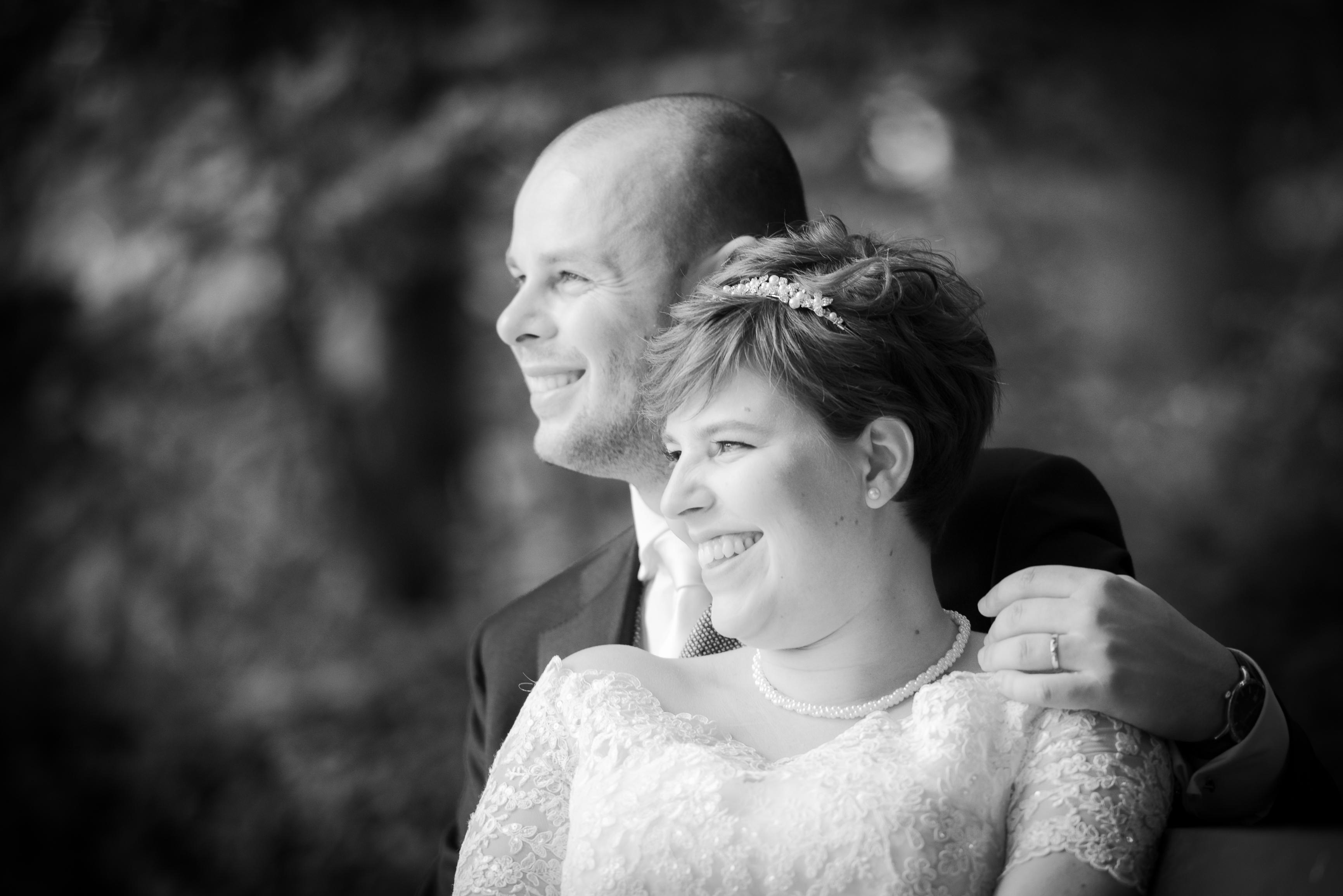 gelukkig getrouwd Willem De Leeuw bruidsfotografie